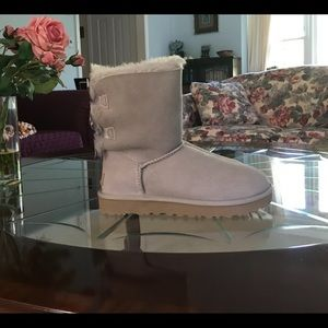 New in Box UGG Bailey Bow II Boots 8